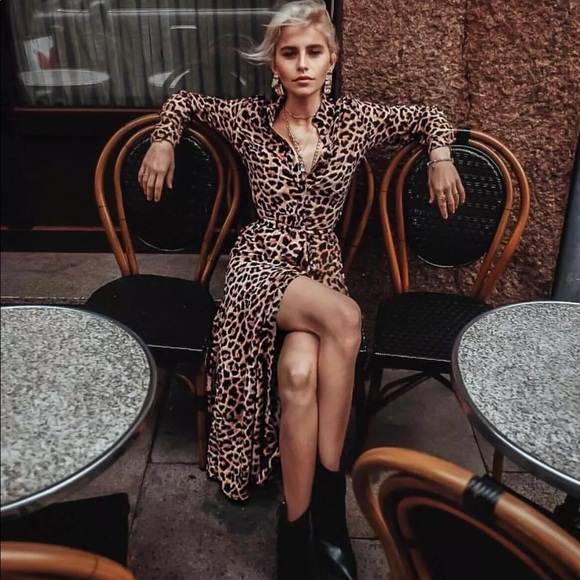 9ac7ef5606 Zara animal leopard print maxi shirt dress. Size S